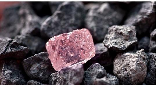 钻石详解:钻石的三大特性你都知道吗