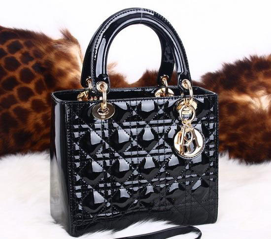 奢享家迪奥(Dior)戴妃包回收价格是多少?成交快么