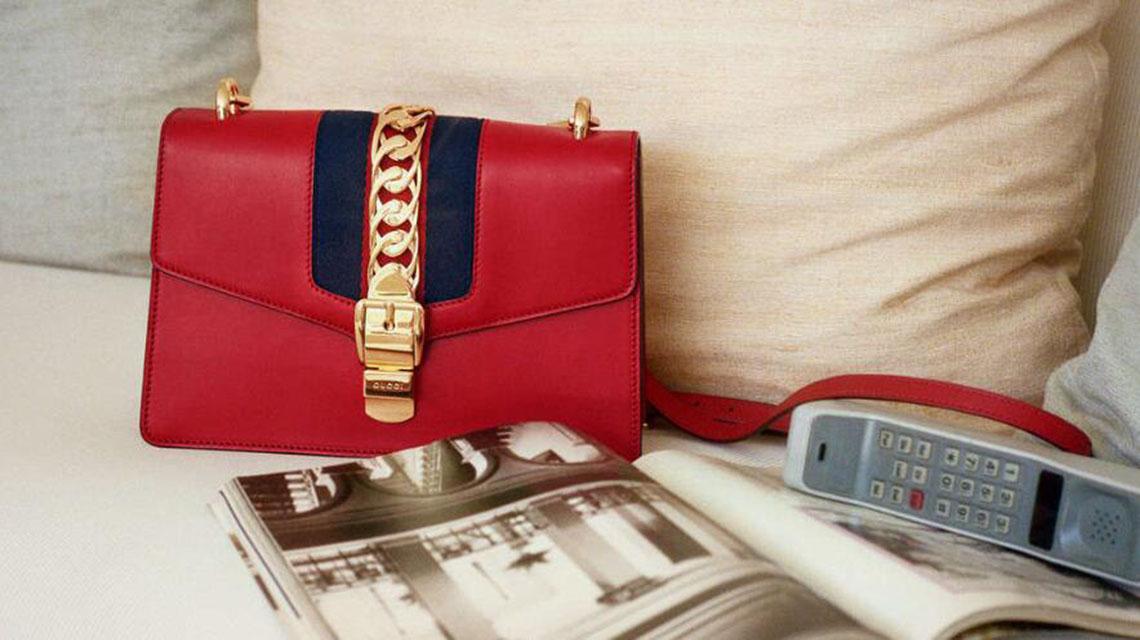 奢侈品行业调查:中国女性对于奢侈品包的需求爆发式提升
