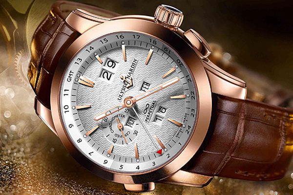 双向调节的雅典万年历手表二手回收怎么样?