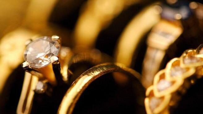 回收市场上是钻戒保值还是黄金保值?
